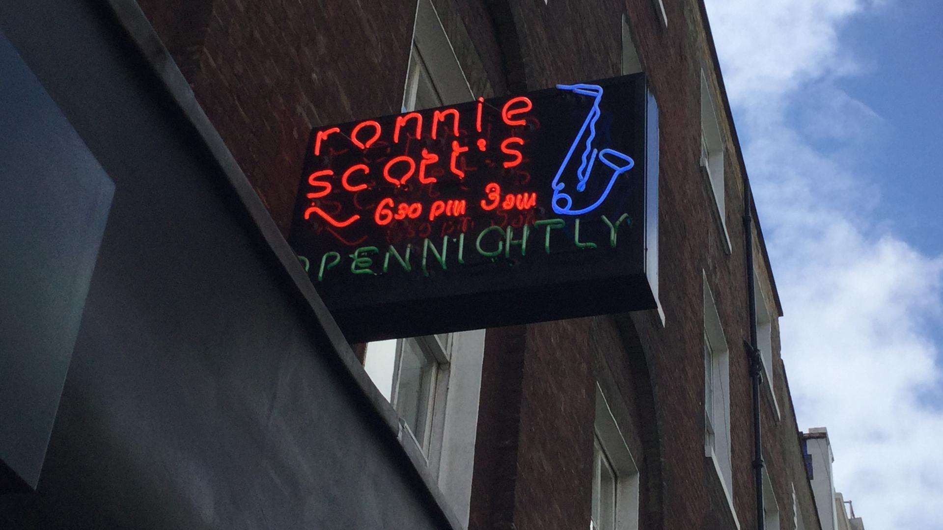 """Seit 1965 ist """"Ronnie Scott's Jazz Club"""" in der Frith Street 47 beheimatet."""
