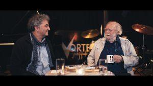 RJR-Mitglied Oliver Weindling im Gespräch mit John Jack: Standbild aus dem entstandenen Film